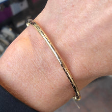 9ct Gold Cushion Bangle