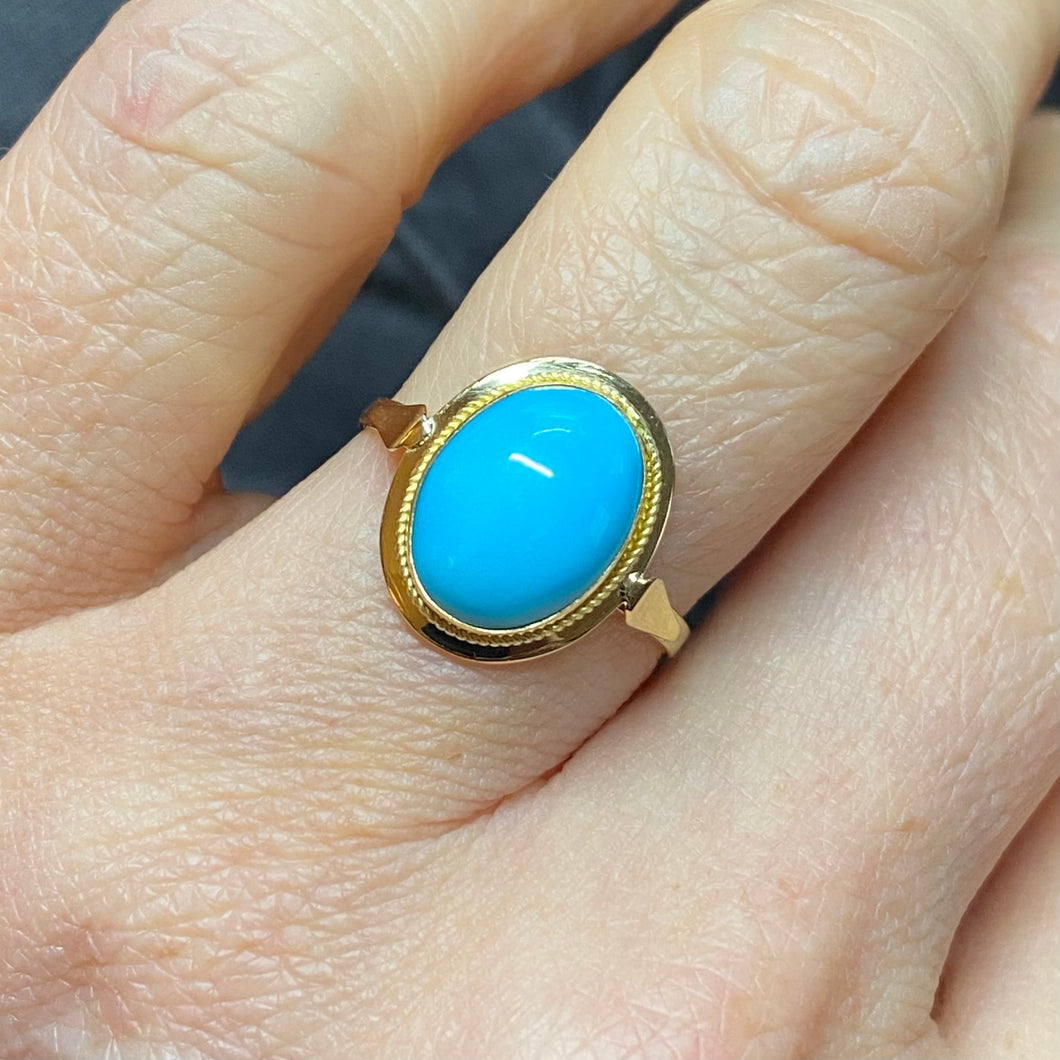 18ct Gold Oval Turquoise Ring