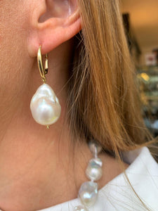 18ct Gold Baroque Pearl Drop Earrings