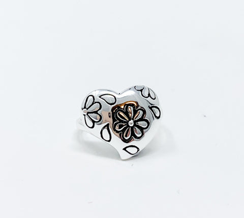 Daisy Heart Ring