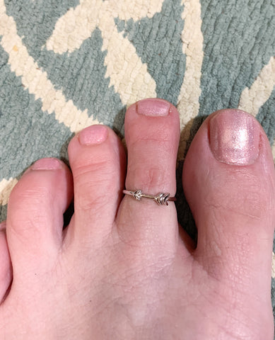 Arrow Toe Ring