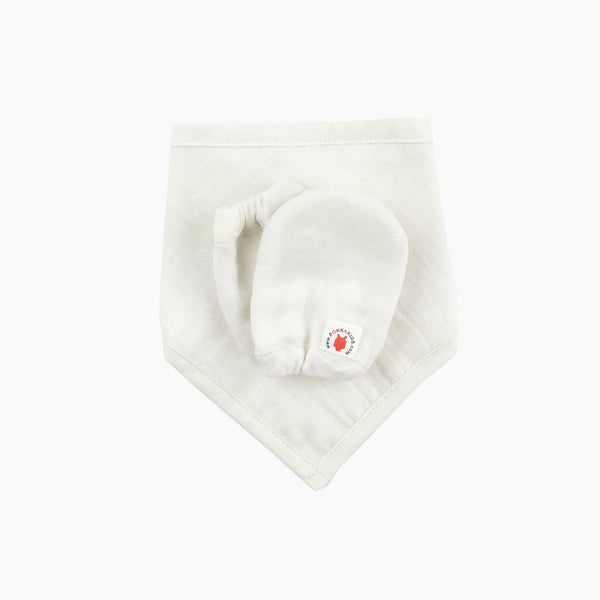 Pokka Kids Dye Free GOTS Certified Organic Cotton baby gift set with bandana bib, and mittens is good for eczema is USA made
