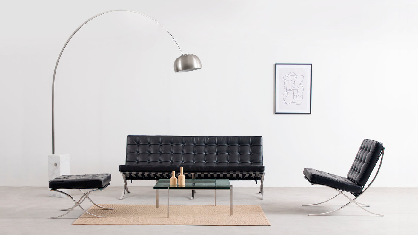 Modish design|Sleek by design and modern in style, this sofa crosses the line between minimalist and contemporary, making it a smart choice for a number of decor tastes.