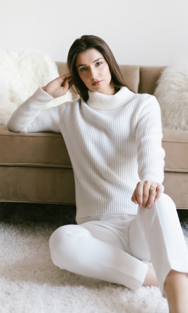 Tessa Turtleneck Cashmere Sweater - Natural White