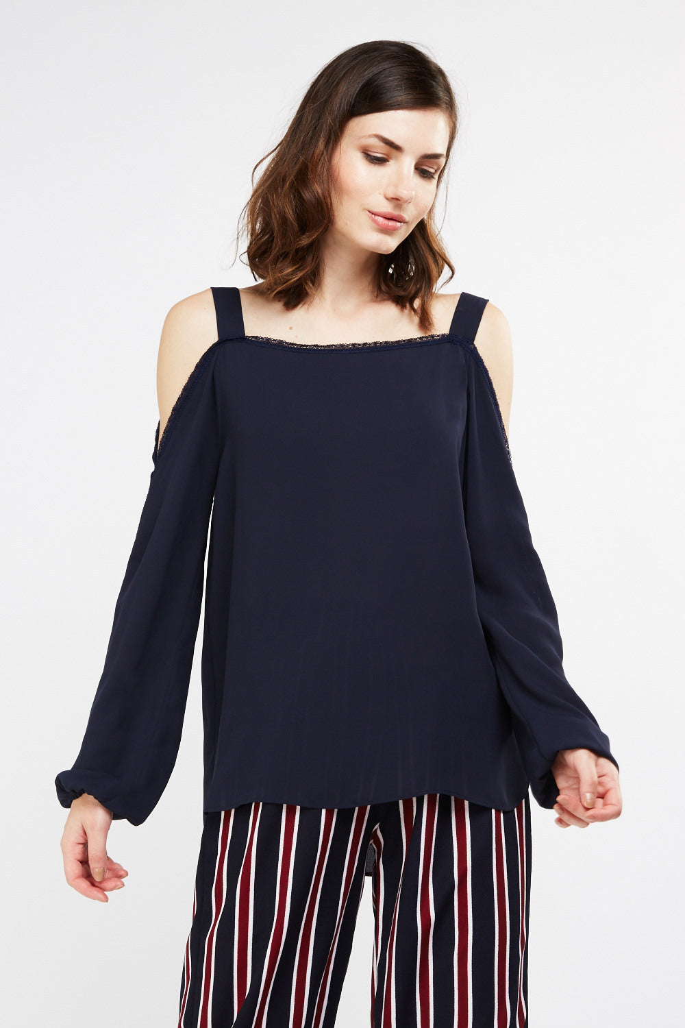 Blusa chiffon cold shoulder