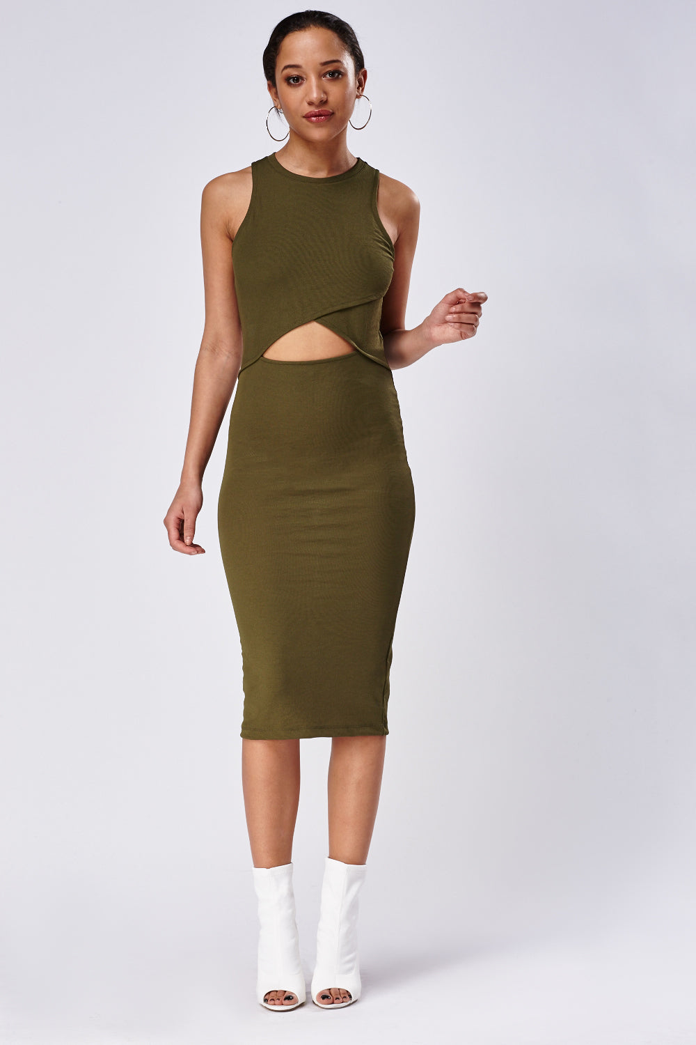 Vestido midi cut out