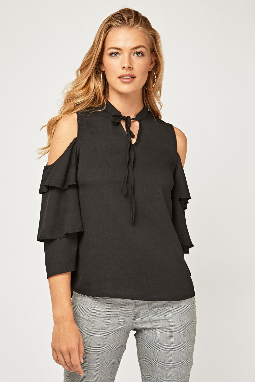 Top cold shoulder con volantitos
