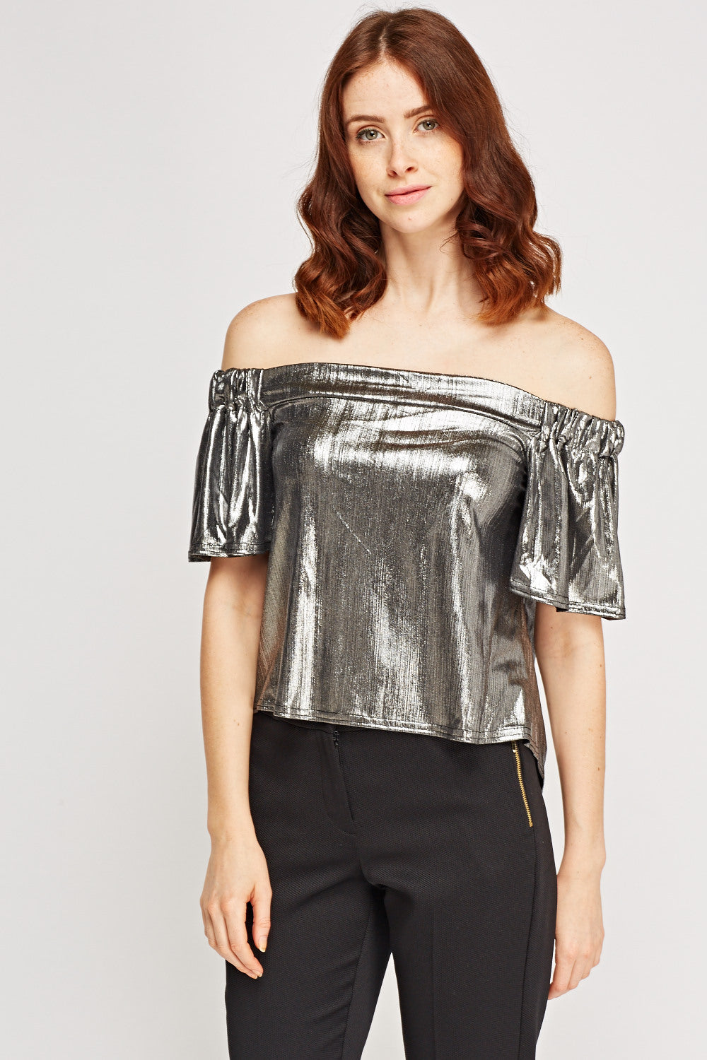 Top brillo metálico off shoulder - MiTiendaSecreta