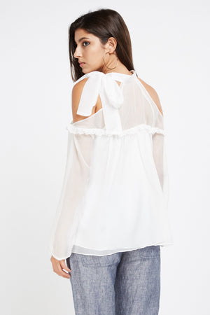 Top hombros cut out con transparencias