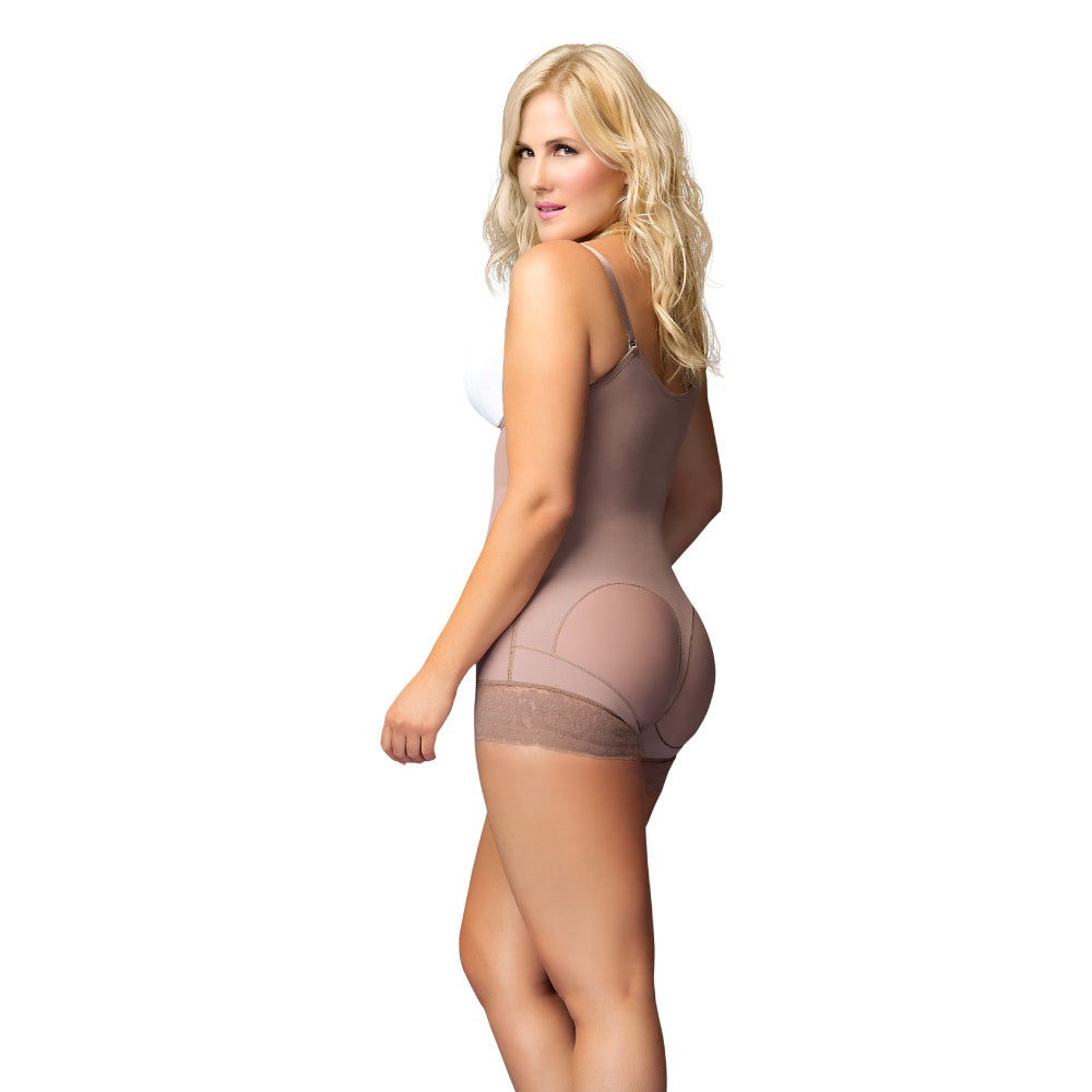 11066 Short Girdle with Buttocks Enhancement