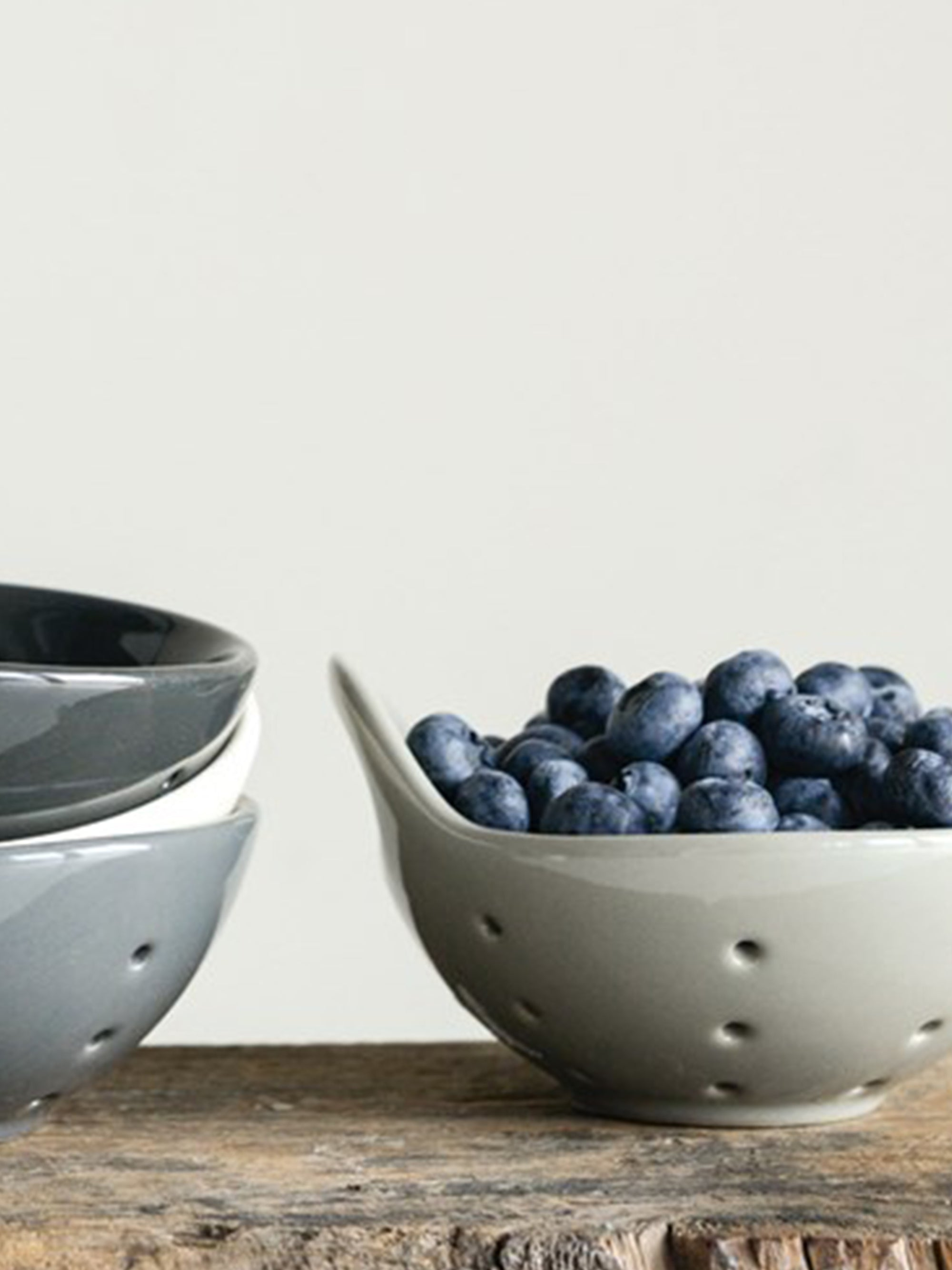 Berry Bowl with Handle