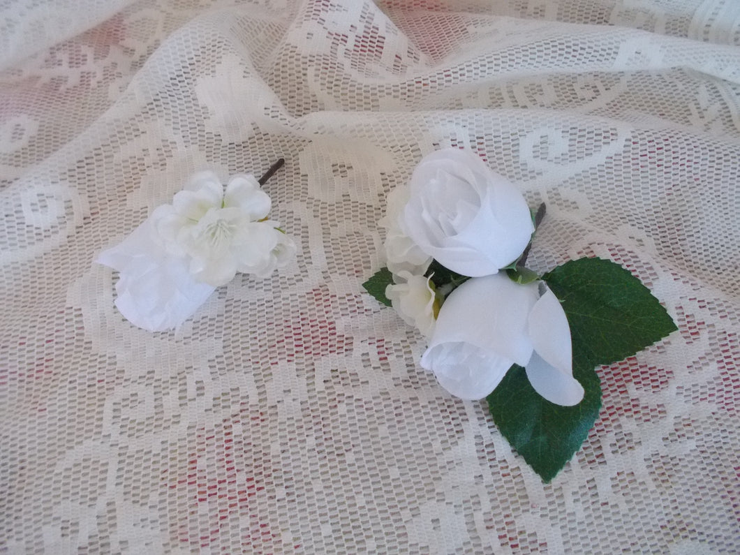 White rose Boutinere