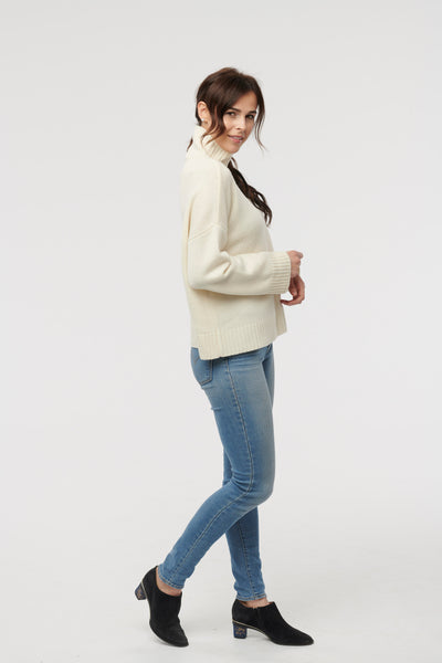 Cashmere Ivory T-Neck