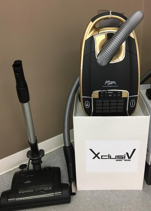 JV X-CLUSIVE LARGE CANISTER VAC WITH POWER NOZZLE - JV6803