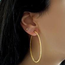 BELUGA HOOPED EARRINGS, GOLD