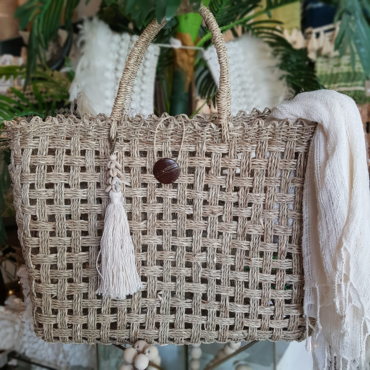 Pattern Bali Coconut Purse Natural Color White