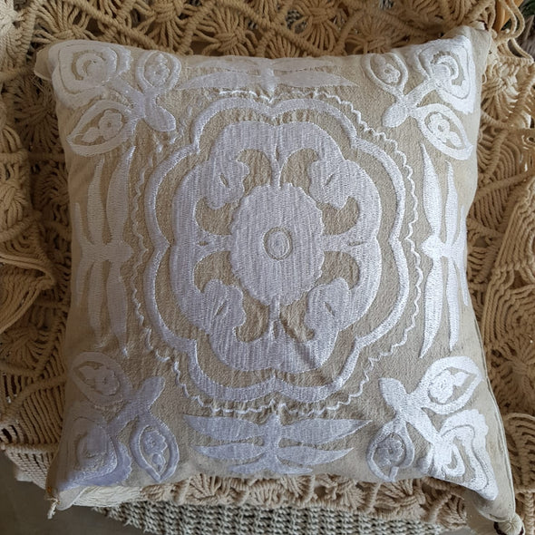 Embroided Navy Or White Motifs On Linen Cotton Cushions With Tassels - Canggu & Co