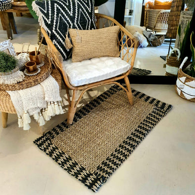 Natural Straw Grass Knitted Floor Mat With Black Raffia Edge