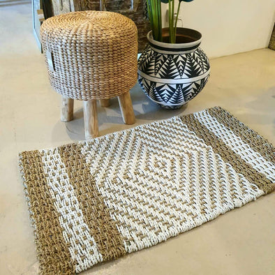 Rectangular Straw Grass And Black or White Raffia Floor Mat