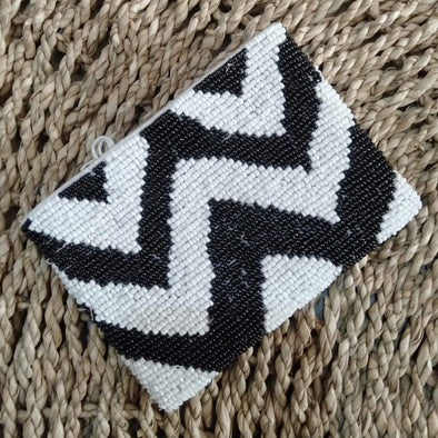 Small Zigzag Pattern Beaded Wallets