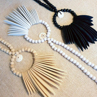 Long Wooden Bead & Leaf Necklace Decor With Shells