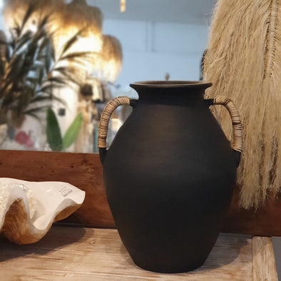 Black Or White Pottery Vases