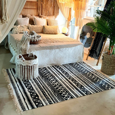Soft Cotton Black Tribal Pattern Rugs