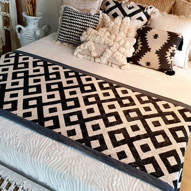 Black & White Diamond Pattern Printed Bed Runner