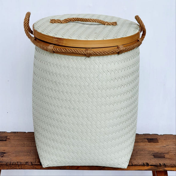 Large White Basket Set With Lid