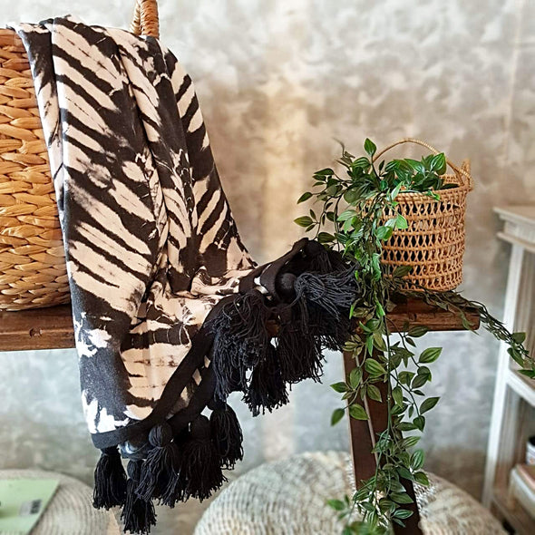Black & White Canvas Tie Dye Throw With Black Tassels - Canggu & Co