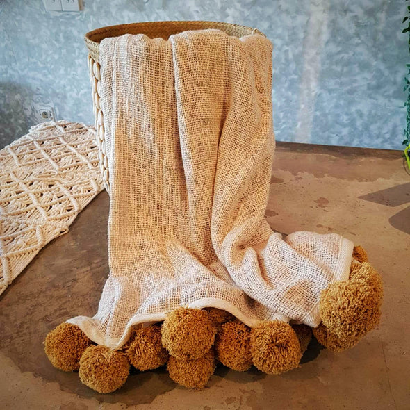 Natural Raw Cotton Throw With Brown Pompoms - Canggu & Co