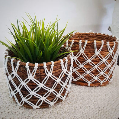 Small Banana Leaf Basket Set With Knitted Exterior