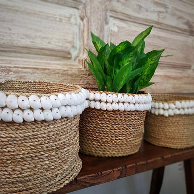 Natural Straw Grass Basket Sets With Moon Shells