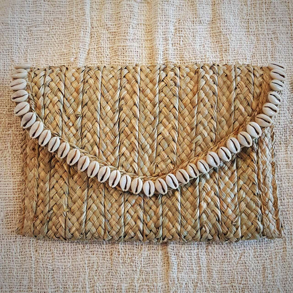 Natural Woven Straw Grass Fold Clutch With Shells