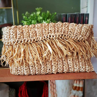 Natural Woven Straw Grass Zippered Clutch With Fringe