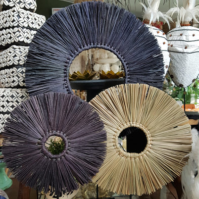 Natural & Black Round Grass Straw Table Decor - Canggu & Co