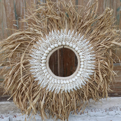 Round Straw Grass & Shell Decor with Stand - Canggu & Co