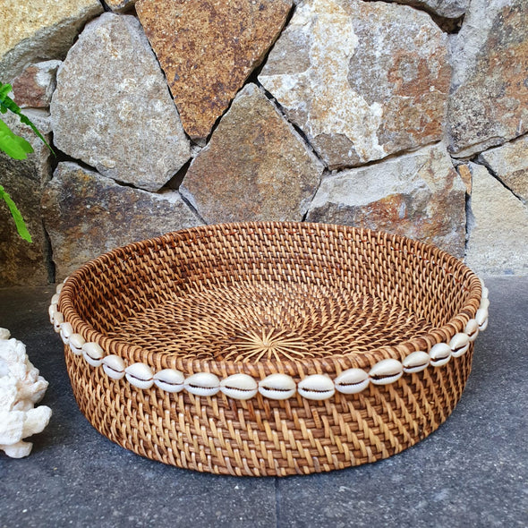 Round Rattan Tray Set With Cowrie Shells - Canggu & Co