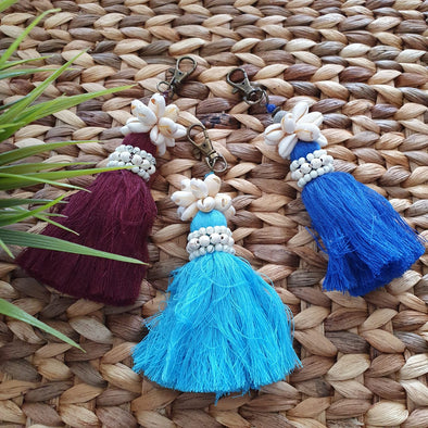 Cowrie Shell Key Chains With Multi-Color Tassels - Canggu & Co