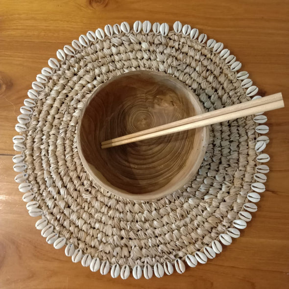 Woven Straw Grass Dining Placemat With Cowrie Shells