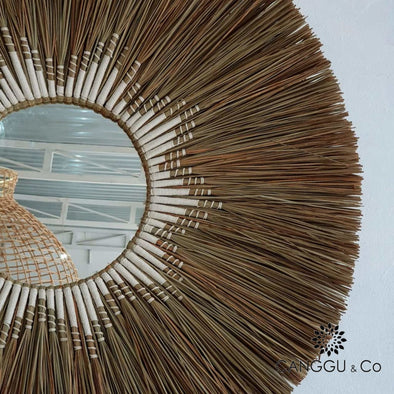 Large Round Straw Grass Mirror With Woven Inner