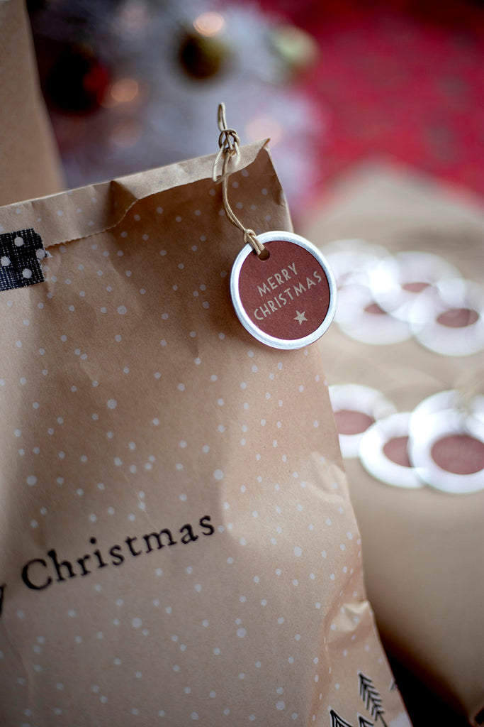 merry Christmas gift bag and tag