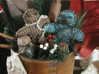 Dry Measure Antique Inspired Gingerbread's Holiday Greens Primitive Christmas