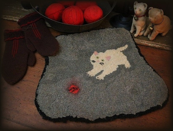 Hooked Rug Cat Kitten with Ball of String Unusual