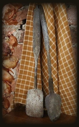 Early Pennsylvania Whitesmith fashioned Salamanders Spatulas Pair