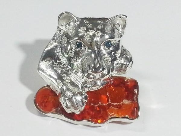 Custom jaguar brooch with fire opal stone