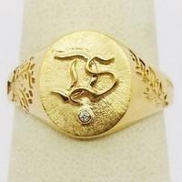 Brushed gold signet ring