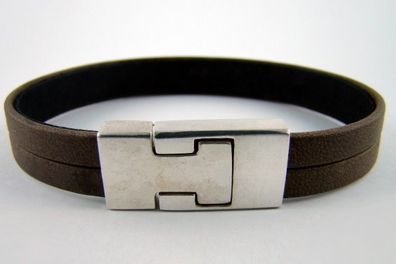 Leather bracelet with clasp