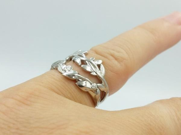 Wedding ring with leaves