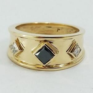 Gold signet ring with black diamond